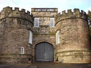 castle gate 2